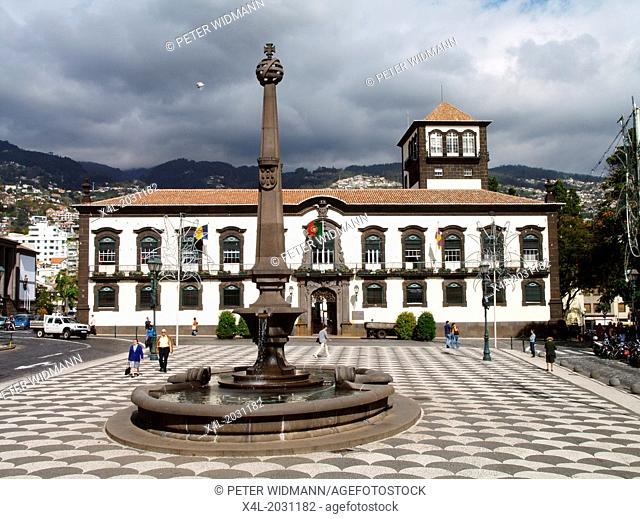 Funchal, city hall, main square, Portugal, Madeira.	1015