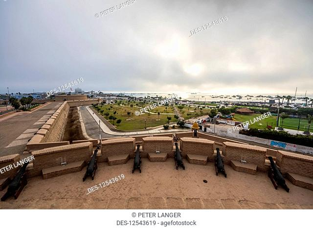 Cannons atop King's Tower, Real Felipe Fortress; El Callao, Lima, Peru