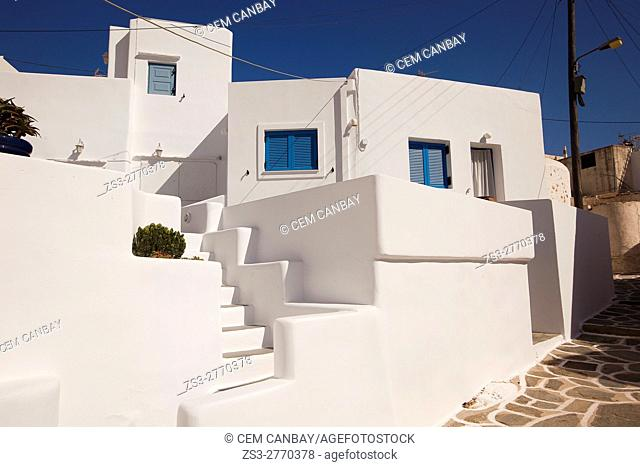 Whitewashed Cyclades houses in the Kastro-Castle area, Sikinos, Cyclades Islands, Greek Islands, Greece, Europe