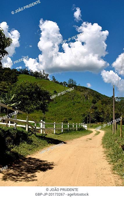 Dirt road in the rural area of the district of Visconde de Mauá in the Serra da Mantiqueira, Resende, Rio de Janeiro, Brazil, 01.2017