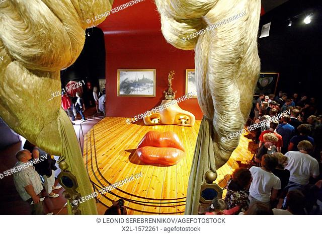 Mae West room  Theatre-Museum of Salvador Dali, Figueres, Catalonia, Spain