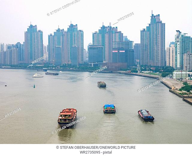 China, Shanghai, view of the skyscrapers over the Huangpu River