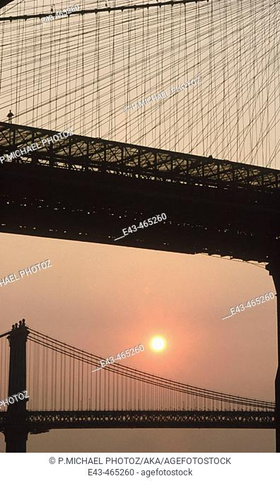 Brooklyn bridge and sun rising