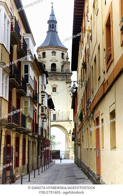 narrow street in Old Town of Vitoria-Gasteiz, Old Cathedral of Santa María – Saint Mary in the background, Vitoria-Gasteiz, Alava, Araba, Euskadi