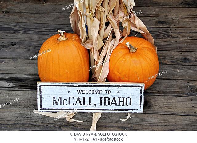 USA, Idaho, McCall, a harvest welcome at a shop