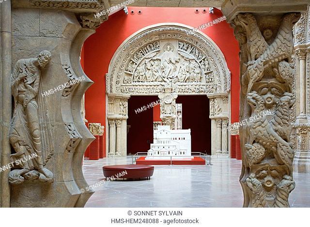 France, Paris, Palais de Chaillot, Cite de l'Architecture et du Patrimoine City of Architecture and Patrimony, casts gallery