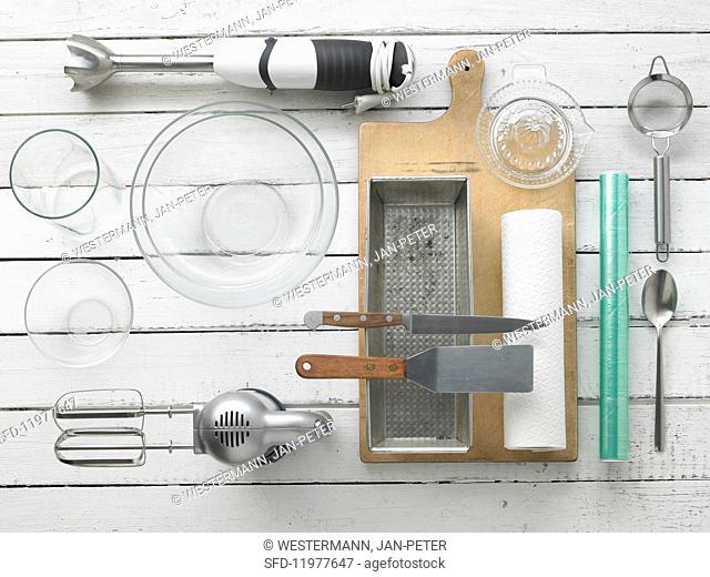 Kitchen utensils for making strawberry tiramisu