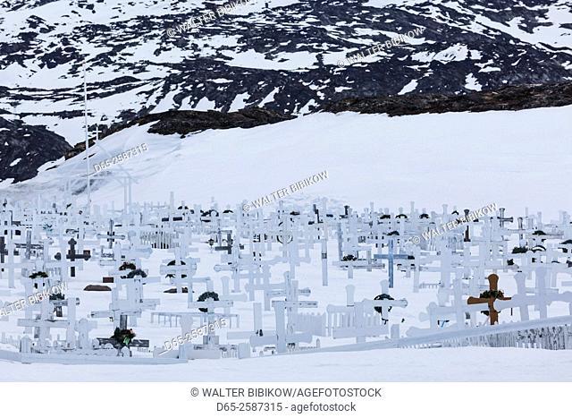 Greenland, Disko Bay, Ilulissat, bay side cemetery under snow