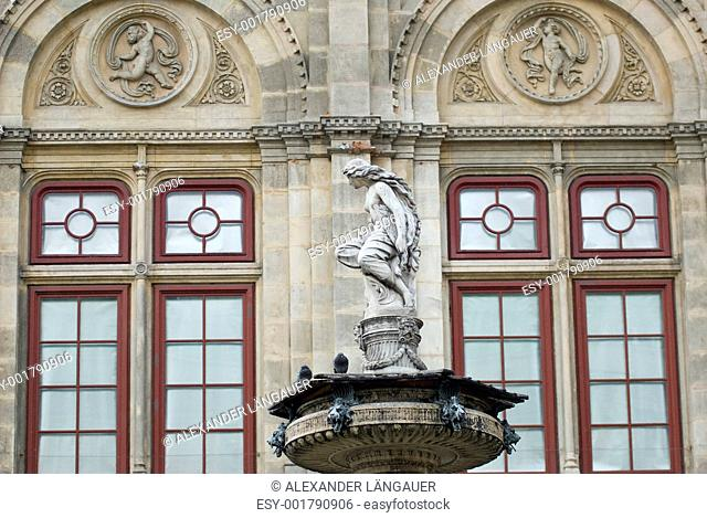 sculptures in front of the vienna state opera