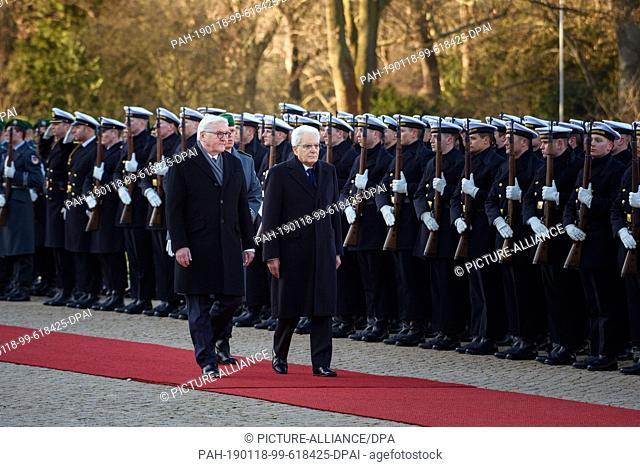 18 January 2019, Berlin: Federal President Frank-Walter Steinmeier (SPD, l) and Sergio Mattarella, President of the Republic of Italy