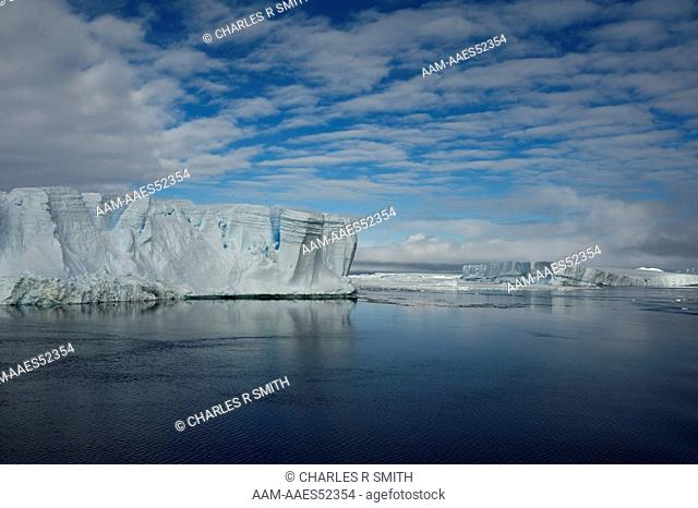 Tabular icebergs in the south Weddell Sea, Antarctica