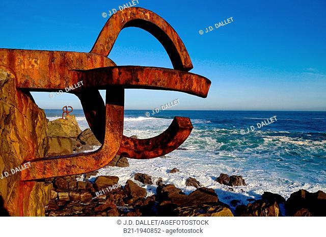'The comb of the wind' (Peine del viento) sculptures by Eduardo Chillida at the foot of the Igeldo mountain, San Sebastian, Guipuzcoa, Euskadi, Spain