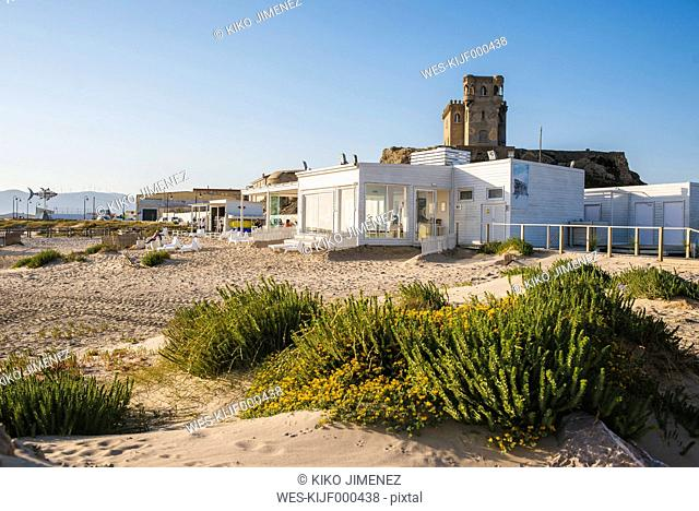 Spain, Andalusia, Tarifa, Beach of Los Lances, with the castle of Santa Catalina in background