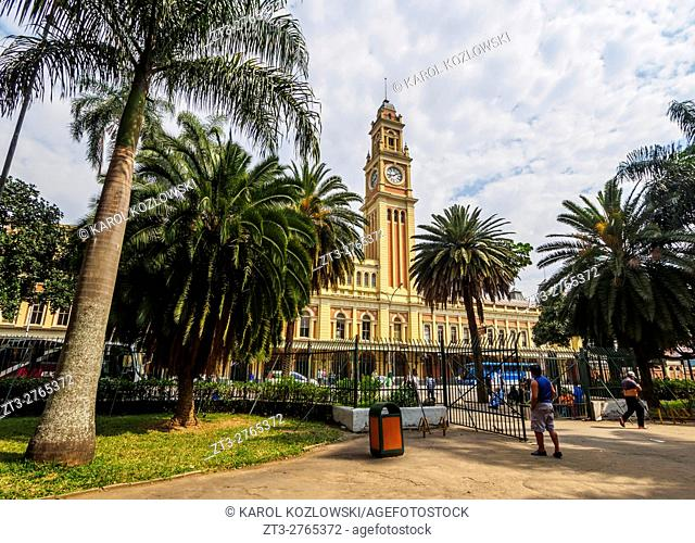 Brazil, State of Sao Paulo, City of Sao Paulo, View of the Luz Station from Parque da Luz