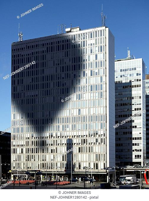 Shadow of hot air balloon on office building