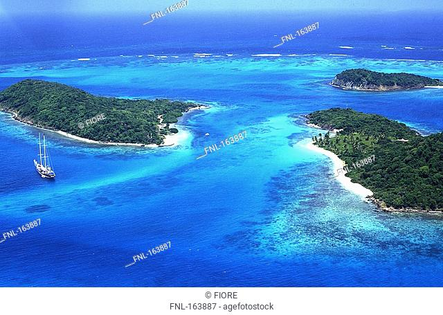 High angle view of islands, Tobago Cays, Grenadines, Windward Islands, Grenada