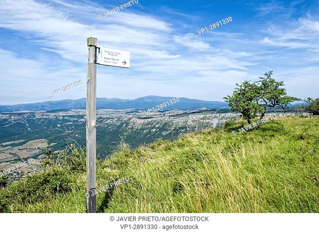 Trail of the Cut. Natural monument of Monte Santiago. A natural space. Province of Burgos. Castilla y León. Spain