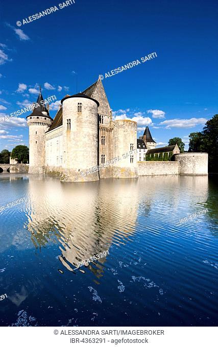 Moated castle, Castle Sully, Sully-sur-Loire, Loiret, Centre Region, France