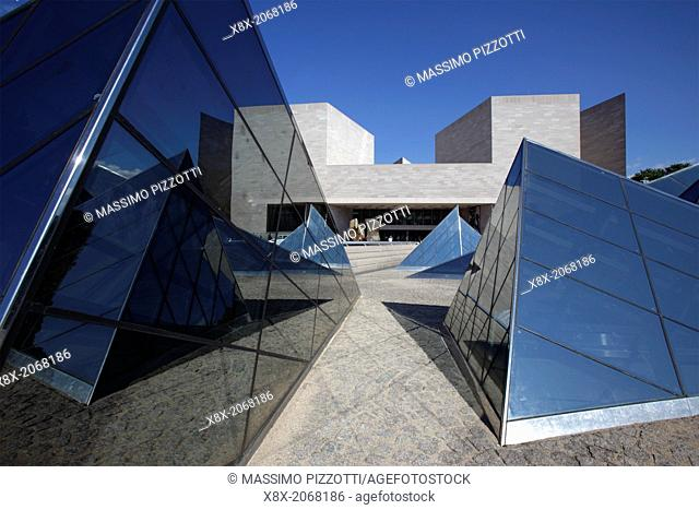 The East Building of the National Gallery of Art, Washington D.C., USA