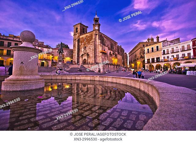 Iglesia de San Martin church, Equestrian statue of Francisco Pizarro, Plaza Mayor, Main Square, Trujillo, Caceres Province, Extremadura, Spain, Europe