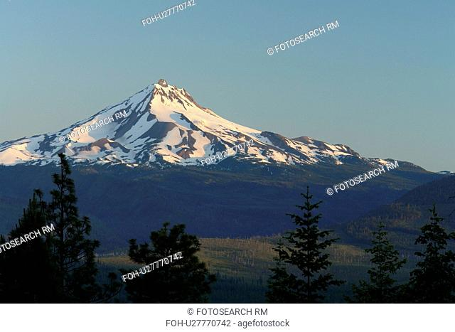 Mt. Jefferson, OR, Oregon, Deschutes National Forest, Cascade Mountain Range