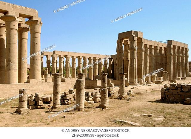 Luxor Temple Complex, Luxor (Thebes), Egypt, Africa.	1015