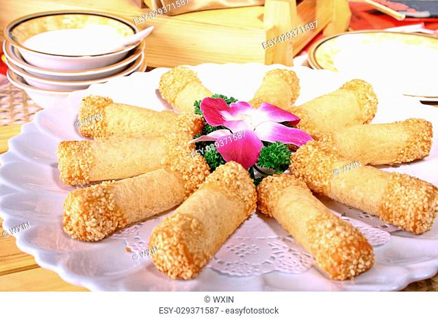 Taro rolls fried with sesame