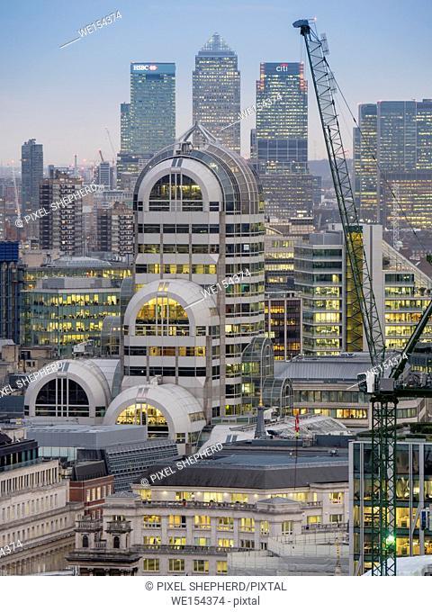 UK, England, London, Canary Wharf dusk