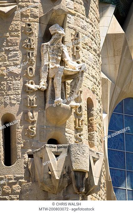 Sculpture statue La Sagrada Famila Basilica detail