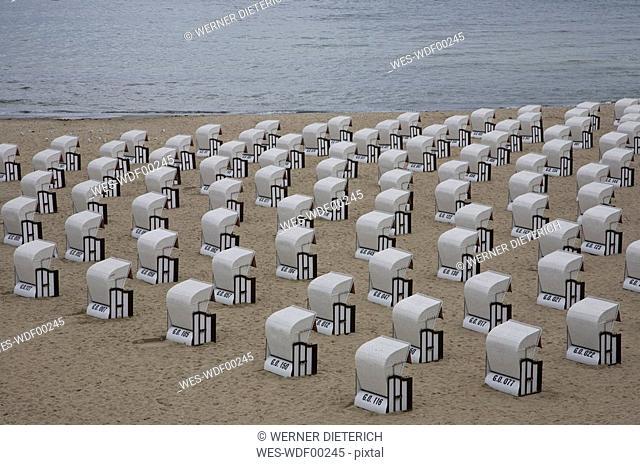 Germany, Mecklenburg-Vorpommern, Baltic Sea, Rügen, Wicker beach chairs