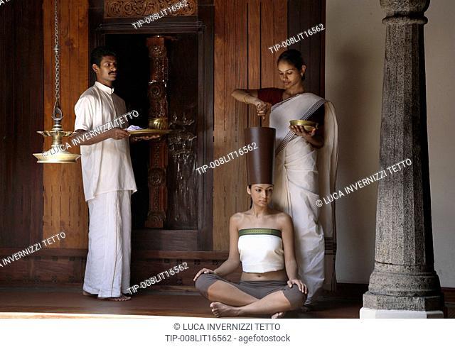 India, Bangalore, Siro Vasthi, ayurvedic hair treatment