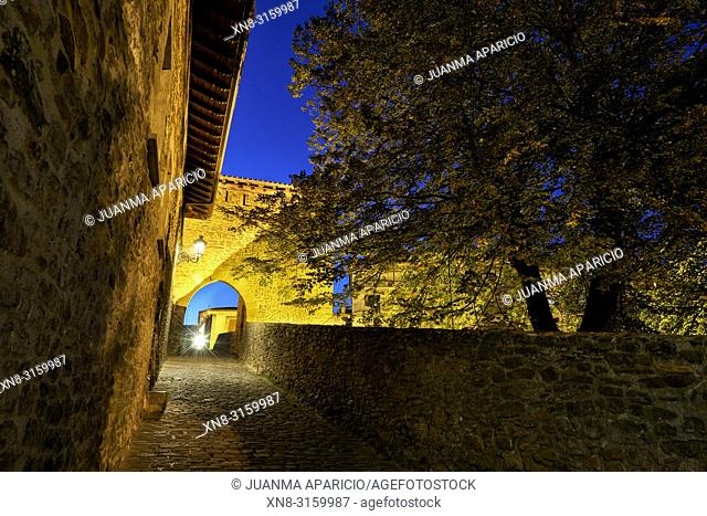 Medieval bridge over the Cadagua river, Balmaseda, Biscay, Basque Country, Euskadi, Euskal Herria, Spain, Europe