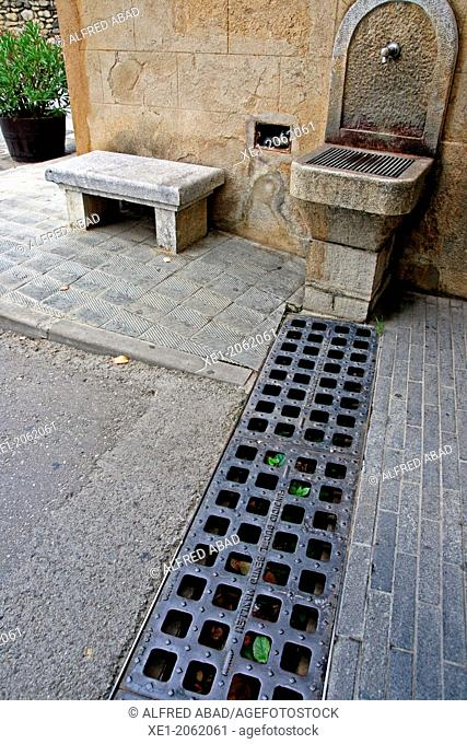 Street, fountain, Peralada, Catalonia, Spain