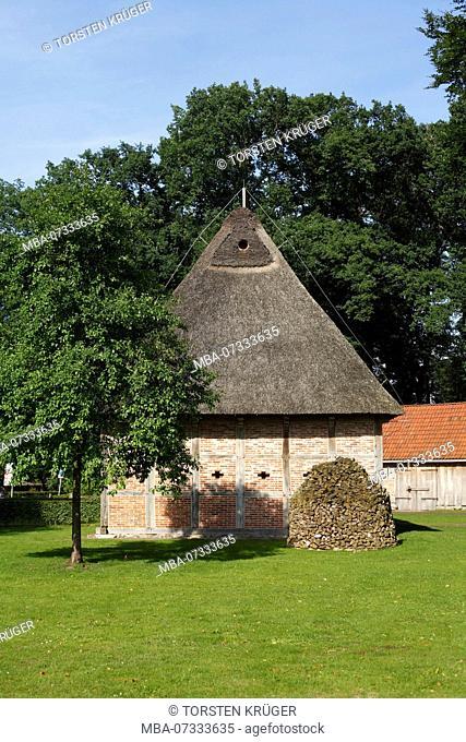Bad Zwischenahn, farmhouse in the open-air museum Ammerländer Bauernhaus