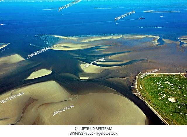 Neuwerk island with river mouth of Elbe, in the background Tischen island, Germany, Hamburg