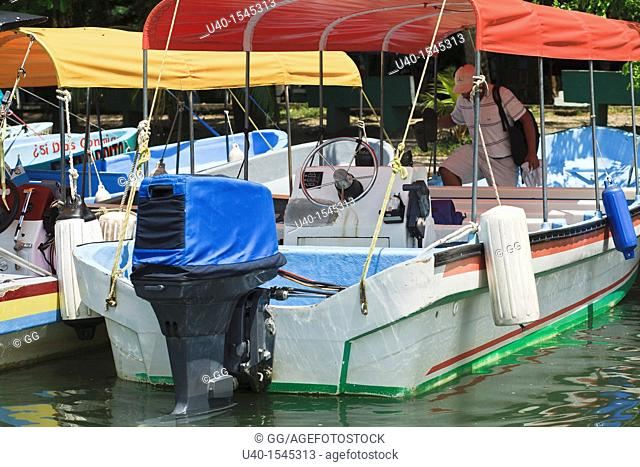 Outboard motorboats