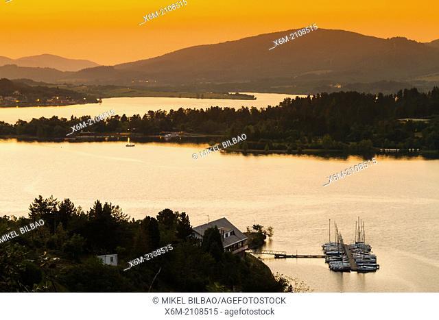 Ullibarri-Gamboa reservoir. Alava, Basque Country, Spain, Europe