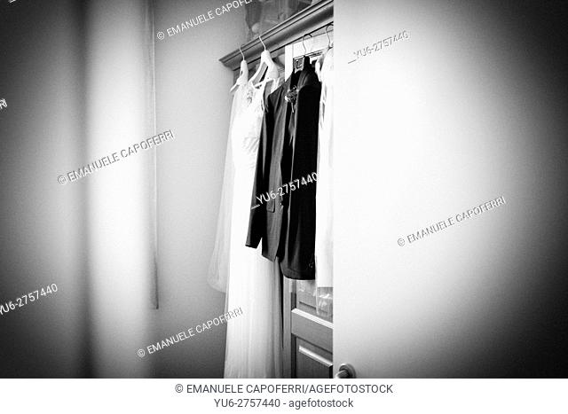 Clothing of the spouses