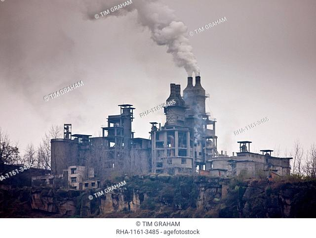 Pollution from cement factory along the Yangtze River, China