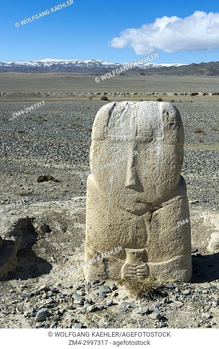 A 7th century Turkik monument standing in the barren landscape of the Sagsai Valley in the Altai Mountains near the city of Ulgii (Ölgii) in the Bayan-Ulgii...