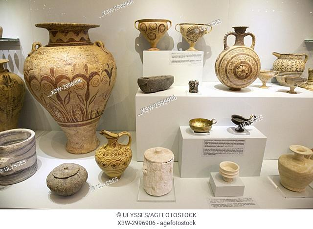 Variety of vessels, flask and cup found in Knossos Temple Tomb and area dated 1450-1300 BC, Archaeological Museum of Heraklion, Iraklio, island of Crete, Greece