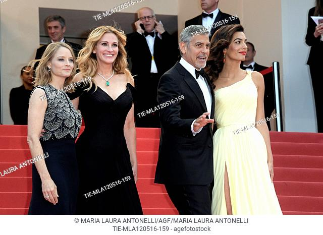 the director Jodie Foster, Julia Roberts, George Clooney and wife Amal Alamuddin during the red carpet of the film Money Monster