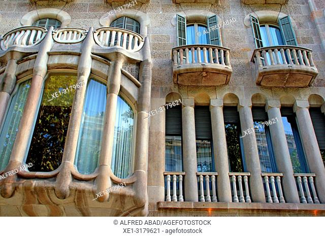 Windows and balconies, Casa Sayrach, 1918, architect Manuel Sayrach i Carreras, Barcelona, Catalonia, Spain