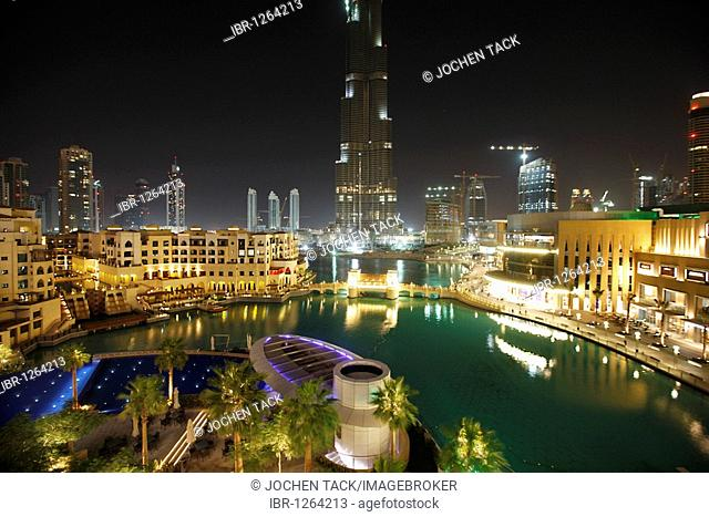 Burj Dubai, tallest building in the world, pool area of a luxury hotel, The Address, part of Downtown Dubai, United Arab Emirates, Middle East
