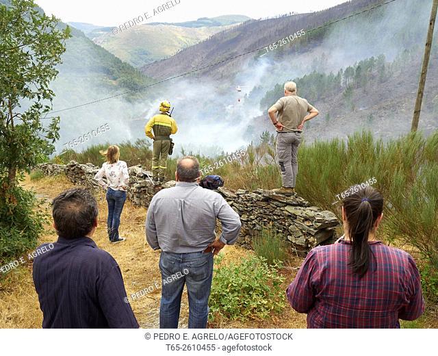 Forest fire in Navia de Suarna, Lugo, Galicia, Spain (26/07/2015)