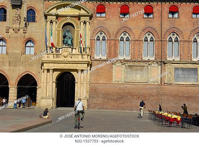 Palazzo d'Accursio (aka Palazzo Comunale, Town Hall) on Piazza Maggiore, Bologna, Emilia-Romagna, Italy