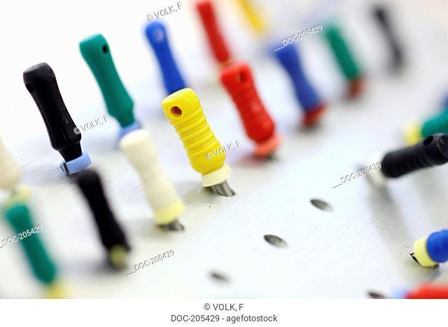 dental instruments , endodontic treatment