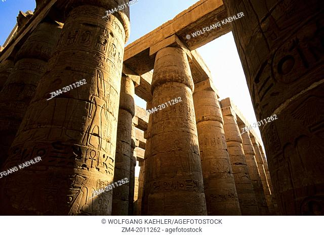 EGYPT, NILE RIVER, LUXOR, TEMPLE OF KARNAK, GREAT HYPOSTYLE HALL