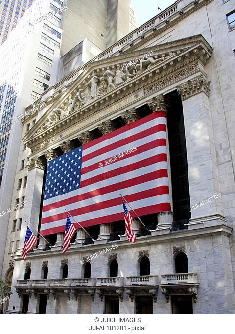 New York Stock Exchange Building, American flag, Wall Street, Manhattan, New York City, New York, United States