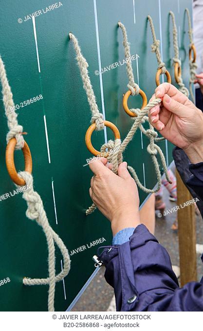 Sailor's knot, Port, Ploumanac'h, Perros-Guirec, Bretagne, Brittany, France